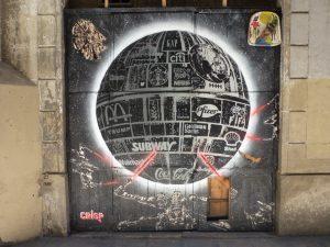 Der Todestern | Gesamtansicht in einer Seitengasse, in Barcelona