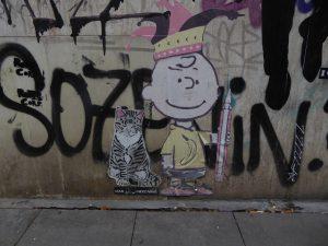 Charlie Brown mit Katze
