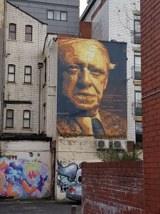 Graffiti - Hinterhof-Hausfassade in Manchester